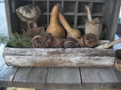 Early Old Primitive Log Trencher with Old Rusty Tin w Tobacco Twists  ~♥~
