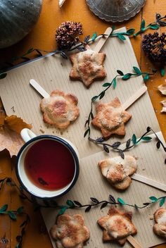 Mini apple pie. Autumn vibes. Food photography.