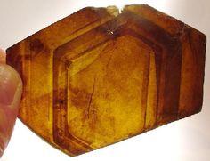 Phlogopite, KMg3(AlSi3O10)(OH)2, Templeton, Gatineau TE, Outaouais, Québec, Canada. Dimensions: 8.3 x 5.9 x 0.1 cm. Copyright: © Rob Lavinsky