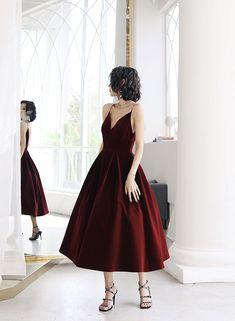 Prom Party Dresses, Evening Dresses, Formal Dresses, 1950s Dresses, Prom Gowns, Dress Party, Short Dresses For Prom, Vintage Dresses, Burgundy Homecoming Dresses