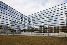 Galería de Centro Geriátrico Donaustadt Vienna / Delugan Meissl Associated Architects - 8