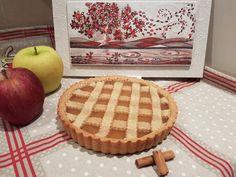 Per chi vorrà seguire con costanza questo blog conoscerà ben presto il mio amore per le mele. Come prima ricetta del blog, quindi, non potevo non fare questa meravigliosa crostata di mele, ideale n…