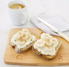 We're obsessed with this Michelle Bridges recipe for banana bruschetta from her new book Get Real! – sounds a little weird but it's really just elevated banana on toast that keeps you full for longer and tastes amazing! Skinny Recipes, Healthy Recipes, Healthy Meals, Delicious Recipes, Healthy Mummy, Healthy Breakfasts, Healthy Options, Healthy Nutrition, Clean Recipes