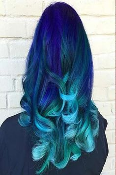 31 colorful hair looks to inspire your next dye job cabelo verde azul, cabe Light Blue Hair, Teal Hair, Turquoise Hair, Violet Hair, Dye My Hair, Ombre Rose Gold, Blue Ombre, Blonde Dye, Blonde Brunette