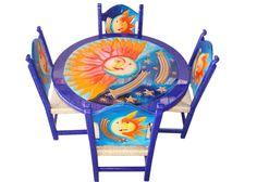 Comedor el sol y la luna Descripción  Diseño: El sol y la luna Color: Azul Asiento: Tejido de tule Mesa: Redonda  4 Personas