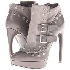 Alexander mcqueen stiv to pelle s cu bond calf new s light grey light grey Dream Shoes, Crazy Shoes, Me Too Shoes, Ankle Booties, Bootie Boots, Shoe Boots, Grey Booties, Sneakers Fashion, Fashion Shoes