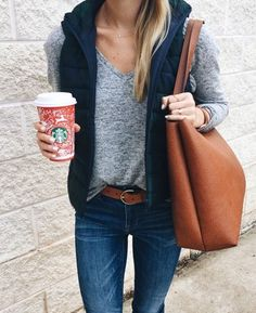 Latest Fashion Trends – This casual outfit is perfect for spring break or the Fall. 44 Pretty Street Style Ideas That Look Fantastic – Latest Fashion Trends – This casual outfit is perfect for spring break or the Fall. Autumn Fashion Casual, Casual Fall Outfits, Fall Fashion Trends, Fall Winter Outfits, Autumn Winter Fashion, Fashion Ideas, Winter Clothes, Spring Outfits, Casual Wear