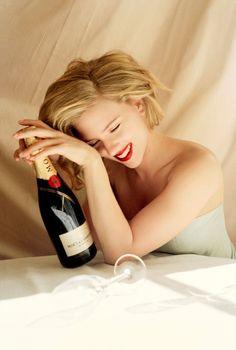 Scarlett Johansson - Moet & Chandon  www.alkohall.cz