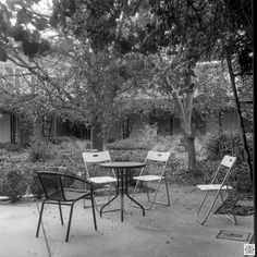 My Canberra - on film mainly Dickson, ANCA courtyard, back in 2015  Flexaret, Kodak T-Max 100  www.pavelvrzala.com  #Australia #Canberra #Dickson #ANCA #Flexaret #Kodak #film