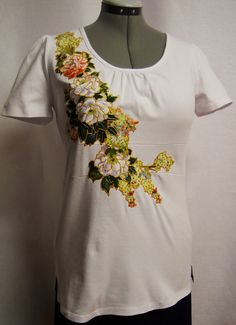 Sale 75 Off Spring Women's White Pullover Hand Painted Fabric Applique Design  by paulagsell, #circle1 $10.00 BIG SAVINGS