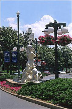 "Statue, celebrating the ""hot springs"" of Hot Springs AR Arkansas Tourism, Arkansas Vacations, Great Places, Places To See, Hot Springs Arkansas, Eureka Springs, Southern Pride, Arkansas Razorbacks, Hidden Treasures"