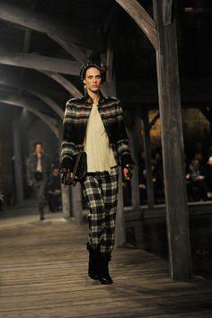 Chanel Pre-Fall 2013 #Fashion #Runway