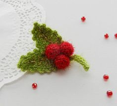 CROCHET BROOCH APPLIQUE DECORATION CHRISTMAS HOLLY AND BERRIES in Crafts, Crocheting & Knitting, Other Crocheting & Knitting   eBay