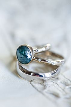I love how it's a unique color-it's different from the usual ring