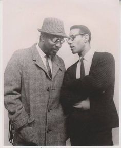 """Monk encouraged me to emancipate the drums from their subservient role as timekeepers."" Max Roach with Thelonious Monk Jazz Artists, Jazz Musicians, Jazz Composers, Musician Photography, Portrait Photography, Sonny Rollins, Thelonious Monk, Jazz Blues, Cultura Pop"