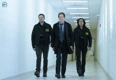Mike Weston (Shawn Ashmore) Ryan Hardy (Kevin Bacon) Max Hardy (Jessica Stroup) The Following 3x10 Evermore