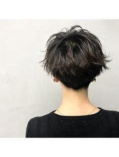 Pin on ショートヘア Asian Short Hair, Short Curly Hair, Short Hair Cuts, Curly Hair Styles, Tomboy Hairstyles, Cool Hairstyles, Androgynous Hair, Shot Hair Styles, Girls Short Haircuts