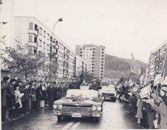 Vizită a lui Ceauşescu Street View, Vintage, Vintage Comics