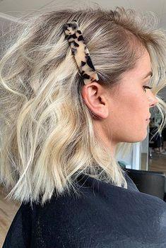 Curly Hair Cuts, Curly Hair Styles, Hair To Go, Surfer Hair, Tortoise Hair, Clip Hairstyles, Fresh Hair, Feathered Hairstyles, Hair Barrettes