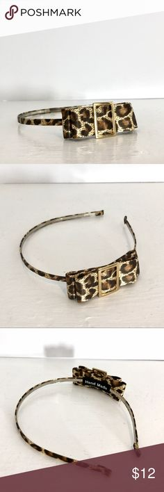 ✨New Stock✨ Animal Print Bowed Headband Animal Print Bowed Headband with cute gold buckle. Slight wear and tear on buckle Accessories Hair Accessories