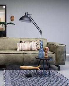 De Industriële bank Fokker van Station7 is leverbaar in Ambachtelijk hand gepoetst buffelleer, Geschuurd leer en Velvet stof. De stijl is robuust en stoer, met een eigentijdse maar tijdloze wijze van finishing van de materialen. #couch #sofa #bank #woonkamer #zithoek #living #interieurinspiratie #interiorinspiration #woonstyling Deep Sofa, Couch Cushions, Living Room Decor, Living Room, Sectional Sofa, Deep Loveseat, Couch Decor, Deep Couch, Deep Seated Couch