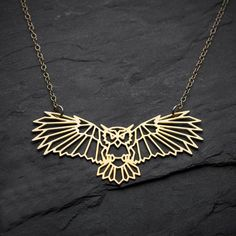 Item Type: Necklaces Fine or Fashion: Fashion Chain Type: Link Chain Model Number: YLQ0566 Necklace Type: Pendant Necklaces Style: Trendy Metals Type: Zinc Alloy Gender: Women Shape\pattern: Geometric Material: Metal Pendant Size: 6.1*2.2cm Function: FASHION