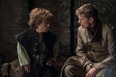 Si no viste las cuatro primeras temporadas de Game of Thrones, los actores te las resumen en 30 segundos