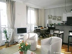 This 2 bedroom furnished apartment in the 6th arrondissement of Paris, in the Luxembourg neighborhood, might please you by as much as it pleased our customers who top-rated it! Check it out!