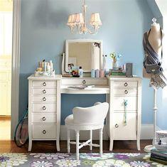 Vintage Dressing Room With Chic Vanity Desk vintage vanity Vintage Dressing Table Vanity Desk