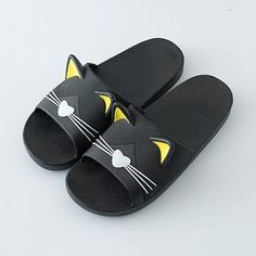 Unisex Non-Slip Flip Flop Slippers With Cute Cat Design Summer Slippers, Summer Flats, Flip Flop Slippers, Flip Flop Sandals, Womens Slippers, Womens Flats, Caterpillar Boots, Designer Flip Flops, Steel Toe Work Shoes