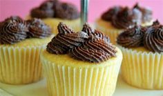 Sips and Spoonfuls: Moist Vanilla Cupcakes with Chocolate Buttercream Frosting-Super delicious. Great base for my spiced pear and honey cupcake Cupcake Recipes, Baking Recipes, Cupcake Cakes, Dessert Recipes, Cup Cakes, Cupcake Ideas, Cupcake Pictures, Mini Cakes, Tasty Kitchen