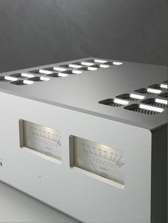 Luxman C-700u preamp and M-700u stereo power amplifier