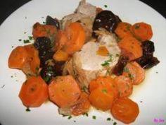 filet mignon aux pruneaux et carottes Filets, Tandoori Chicken, Ethnic Recipes, Food, Pan Dulce, Chorizo, Risotto, Salsa, Table
