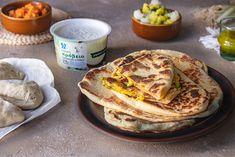Naan, το πιο εύκολο και νόστιμο ψωμί που μπορείς να φτιάξεις σε 10' • #allazoumesinithies | ΑΒ Βασιλόπουλος Naan, Recipies, Favorite Recipes, Baking, Breakfast, Food, Breads, Recipes, Morning Coffee