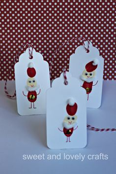 Santa thumb prints.. paired with the reindeer thumb prints would look great on a card