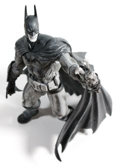 First Look Review: SDCC 2012 Square Enix Batman and Joker Black and White Play Arts Kai Figures