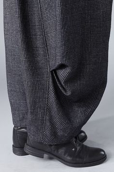 Order our Trousers Hellina from our OSKA Autumn/Winter 2014 collection today Couture Details, Fashion Details, Fashion Design, Fashion Pants, Mens Fashion, Fashion Outfits, Oska Clothing, Baggy Clothes, Beard Styles For Men