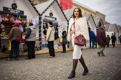 http://alexandratiutiu.ro/2017/11/28/dressing-for-the-holidays/