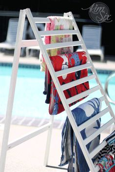How to turn an old crib rail into a portable fold up drying rack, perfect for drying towels by the pool! Hanging Clothes Drying Rack, Laundry Room Drying Rack, Laundry Room Organization, Laundry Closet, Small Laundry Rooms, Laundry Room Design, Old Cribs, Diy Crib, Crib Rail