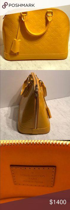 Yellow Monogram Louis Vuitton Almost NEW - wore 1 time only Pelle monogram Yellow Louis Vuitton - Alma BB Louis Vuitton Bags Totes