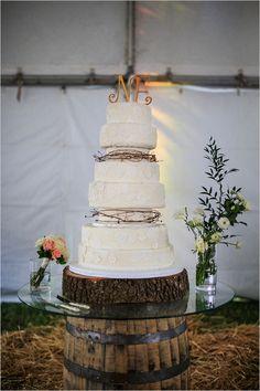 lace wedding cake by frost bake shop #countrywedding #whiteweddingcake #wedddingchicks http://www.weddingchicks.com/2013/12/23/country-chic-wedding-2/