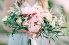 bouquet with gold leaves