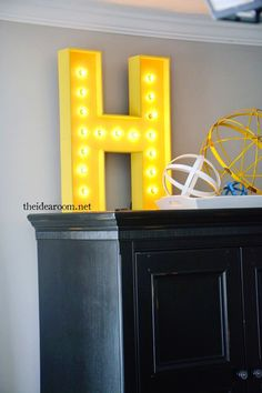 Awesome Spring #DIY Projects: Lit Letters