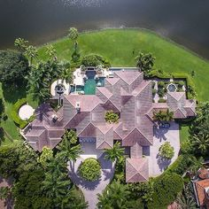 Cool aerial shot. Naples #Florida  Vía @mansionglobal  PC unknown