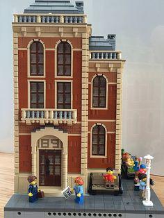 Old library by mannesalt Big Lego, Cool Lego, Modele Lego, Lego Minifigure Display, Lego Building Blocks, Lego Construction, Lego Modular, Vintage Lego, Lego Architecture
