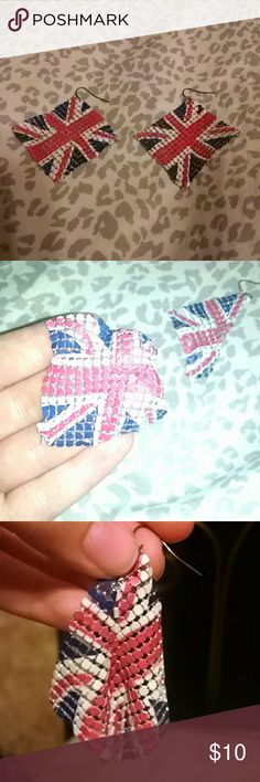 Union Jack Flag Earrings. Brand new! Never used! They are just like little flags! Very cute! Hot Topic Jewelry Earrings