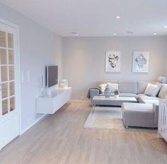 wohnzimmer mit dachschräge in grau und weiß | dachgeschoss, Innenarchitektur ideen