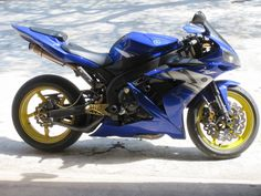 Blue 2004 Yamaha R1 with yellow wheels