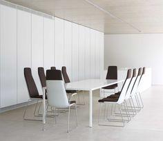 Zenith Interiors: Confer Chair