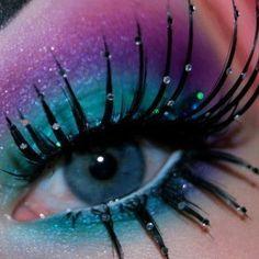 Loveeee this crazy makeup